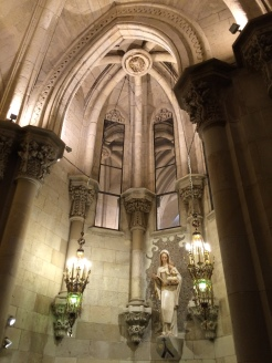 day-11b-sagrada-familia-crypt4