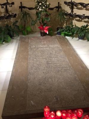 day-11b-sagrada-familia-crypt5