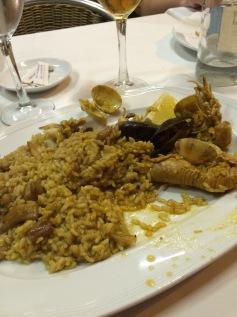 day-2l-el-pescadito-paella