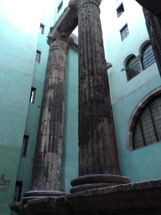 day-3d-roman-columns